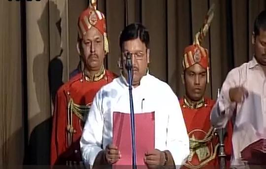 जय श्री राम का नारा लगाने वाले फिरोज अहमद ने भी लिया नीतीश के कैबिनेट मे मंत्री पद की शपथ
