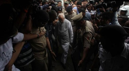 West Bengal governor visits violence-hit Asansol, urges people to maintain peace, harmony
