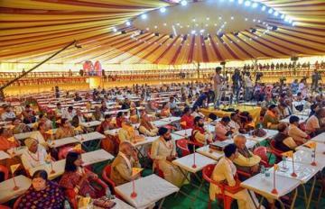 शंकराचार्य बोले-हिंदू धर्म को सांप्रदायिक ताकत बनाना चाहती है योगी और मोदी सरकार