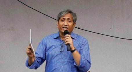 NDTV's popular anchor Ravish Kumar has been conferred with the prestigious Ramon Megsasay Award 2019